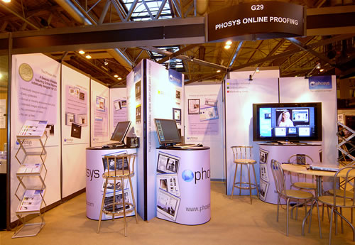 Stand Small2008